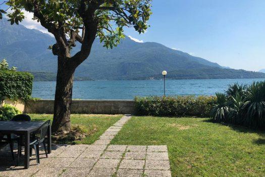 lake front villa in Domaso
