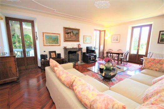 apartment in period villa in menaggio