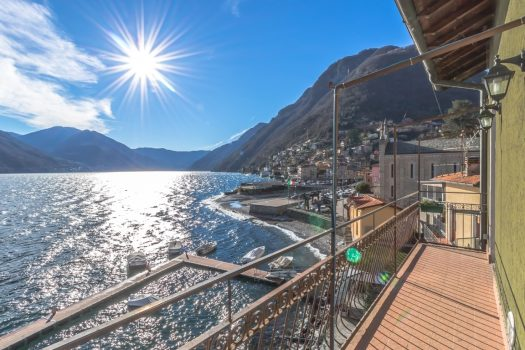 lake front apartment in argegno