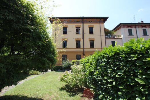 attic in period villa in menaggio