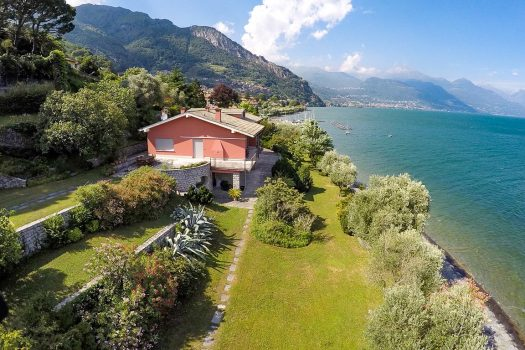 lakefront villa in pianello del lario
