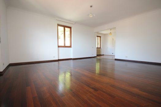 three room apartment in menaggio
