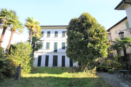 period villa in griante