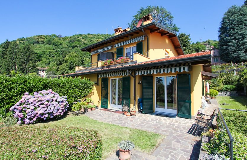 villa with garden in cernobbio