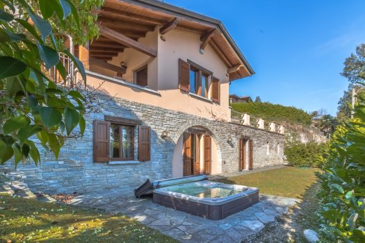 Villa with garden in Menaggio