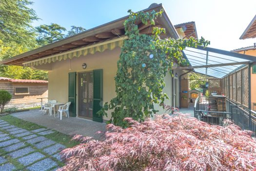 Independent villa with garden in Tremezzina - Close to the center – With lift