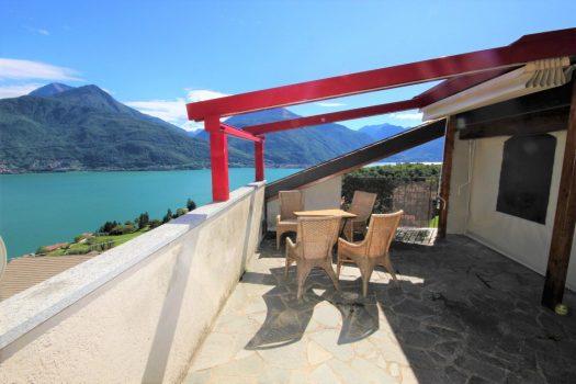 Attico in residence a Pianello del Lario - con terrazzone vista lago