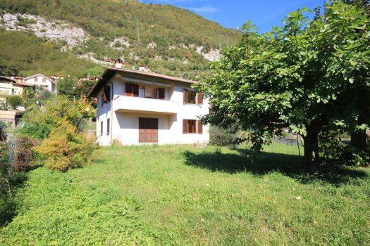 casa con giardino in Tremezzina