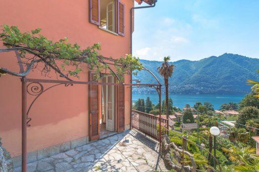 Villa a Cernobbio con magnifica vista lago e giardino