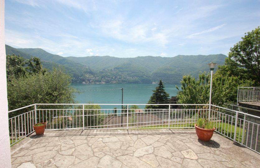 Villino a Laglio con splendida vista lago