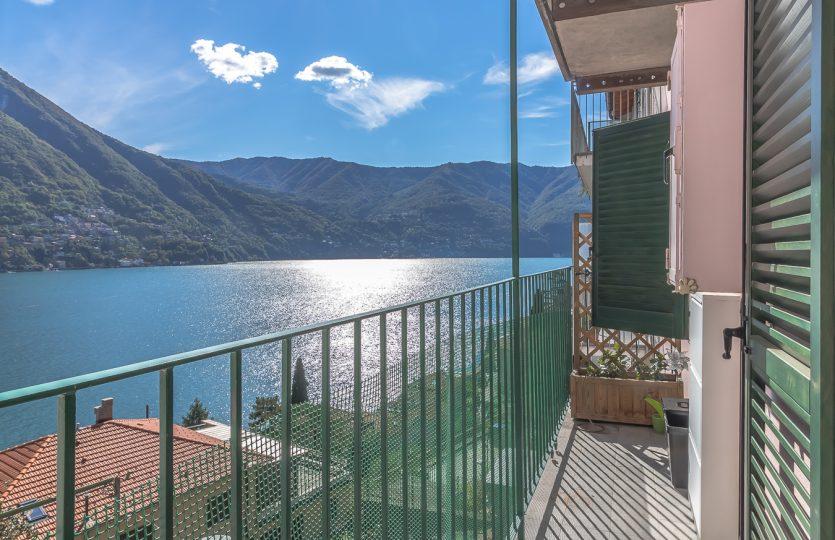 Appartamento a Laglio con vista lago