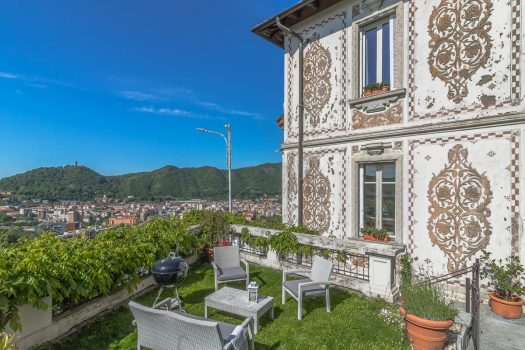 Affascinante villa liberty a Como