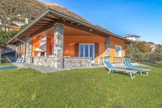 Villa con piscina interna in tremezzina