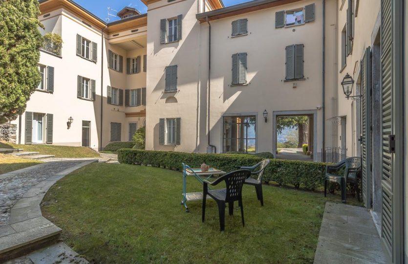 appartamento a Como con giardino in villa d'epoca