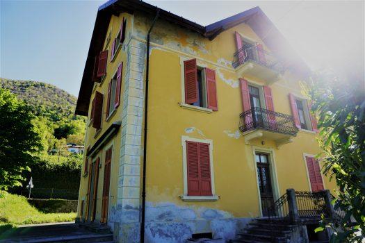Villa Liberty con giardino- Centro Valle Intelvi
