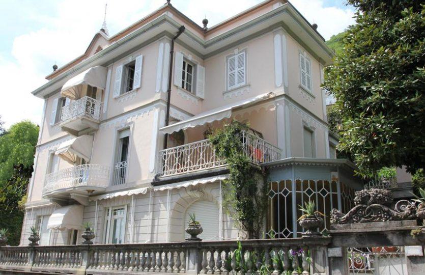 Villa d'epoca fronte lago vicino a Cernobbio